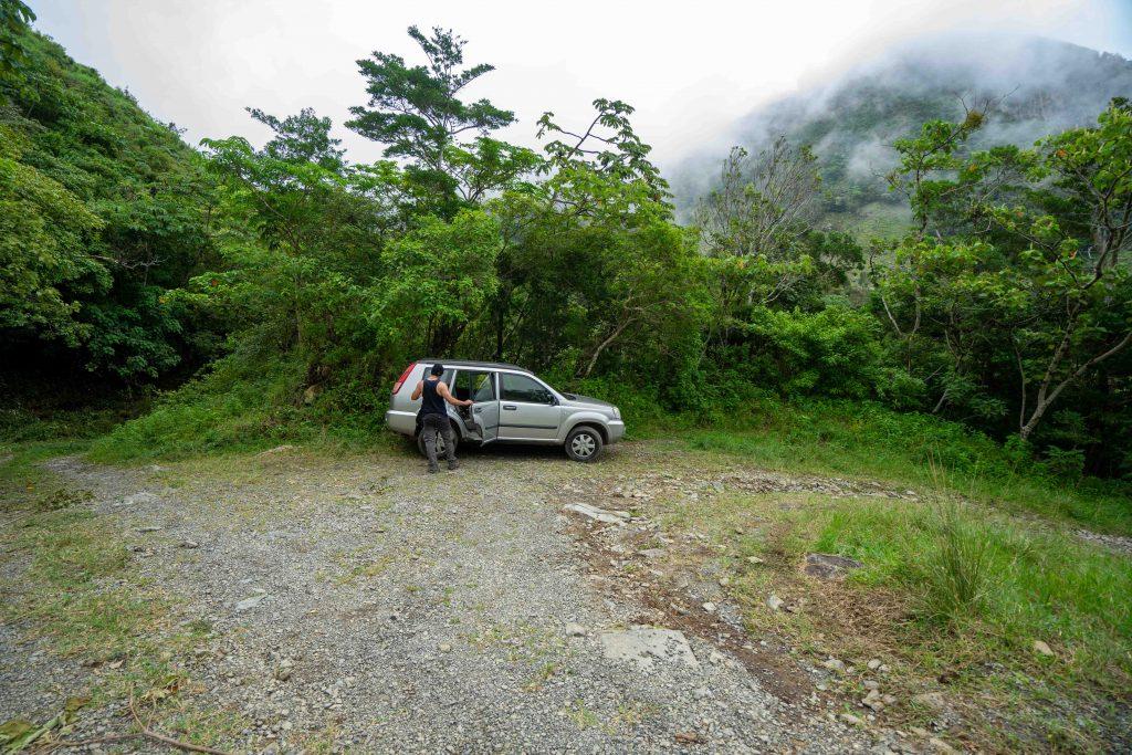 La Piedra de la India Vieja, parking area, Boquete, Panama