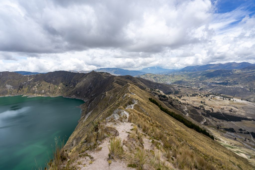 Laguna de Quilotoa, hiking, Ecuador, Vuelta al Crater, Quilotoa Loop