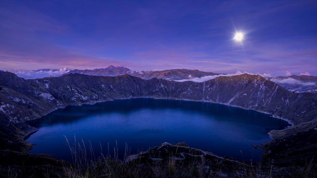 Laguna de Quilotoa, hiking, Ecuador, Vuelta al Crater, sunset, Quilotoa Loop