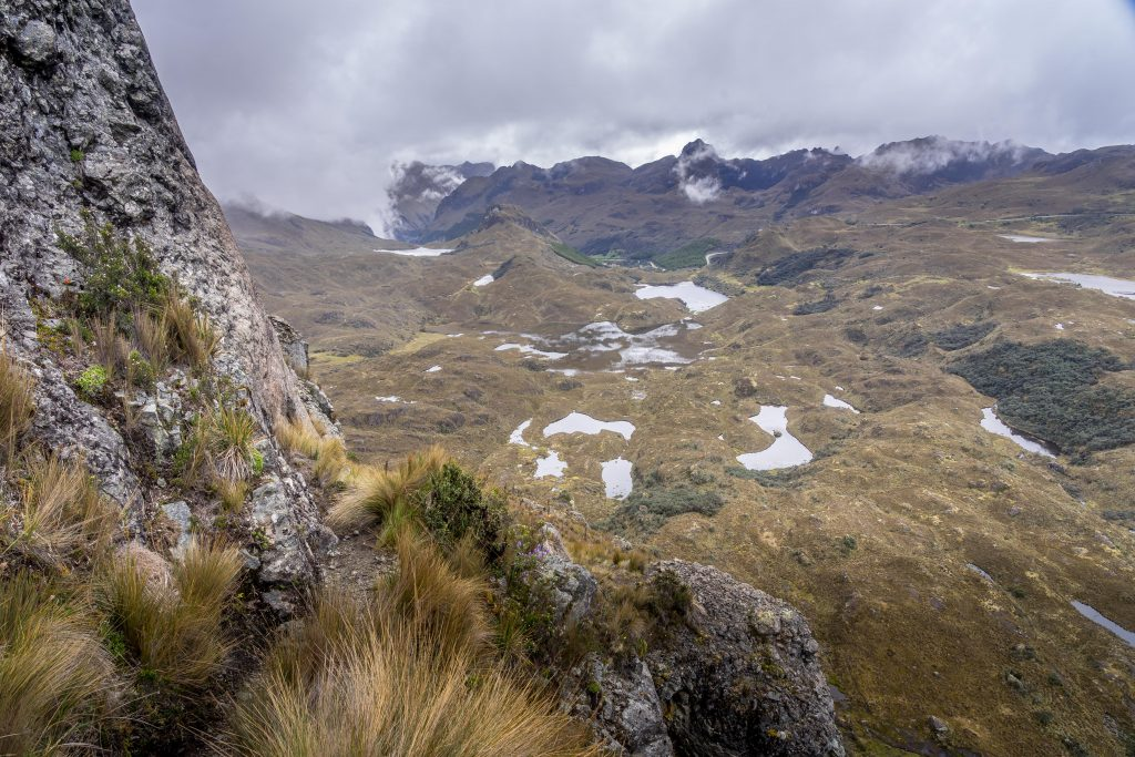 hiking, trails, Cuenca, Ecuador, Cajas national Park, Parque Nacional Cajas, mountains, lakes